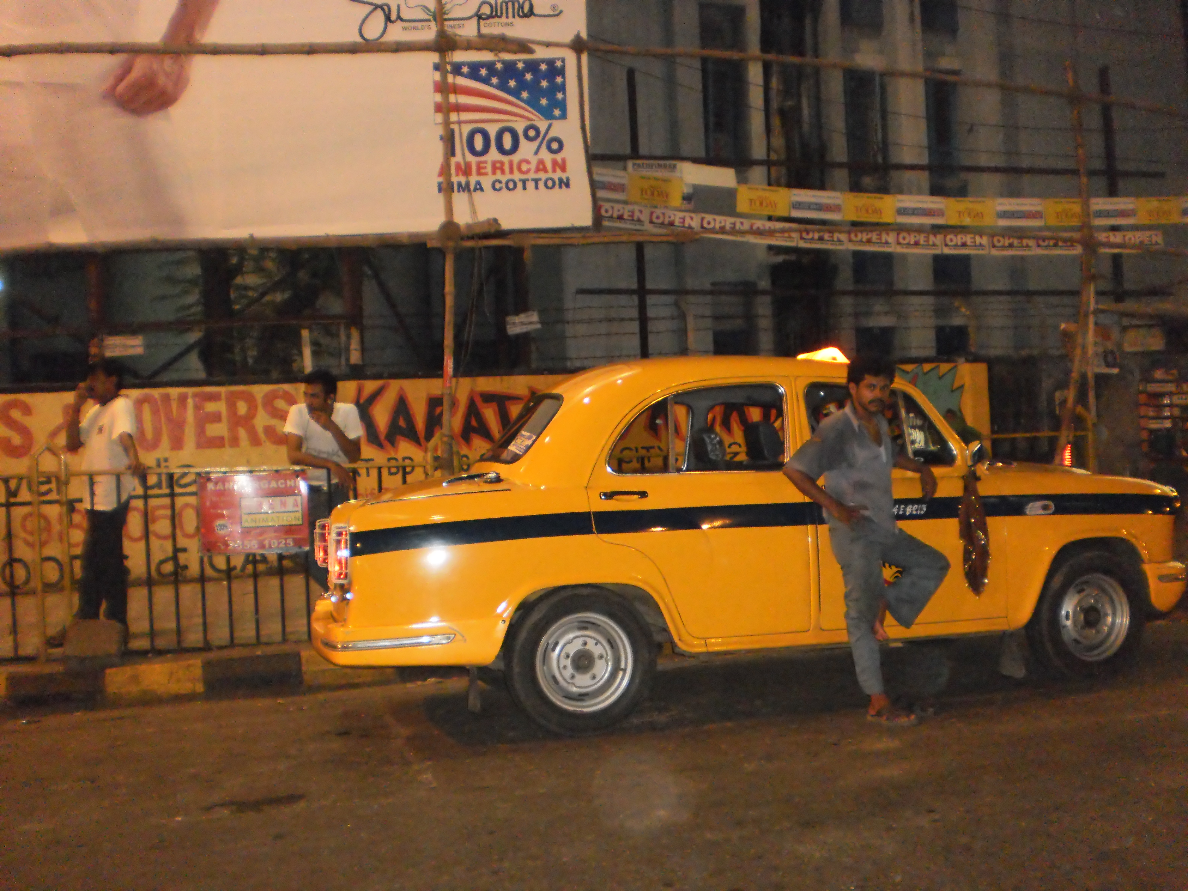 Taxi's everywhere-Kolkata